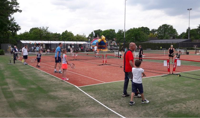 Mini maxi toernooi en open dag TC Bosschenhoofd.