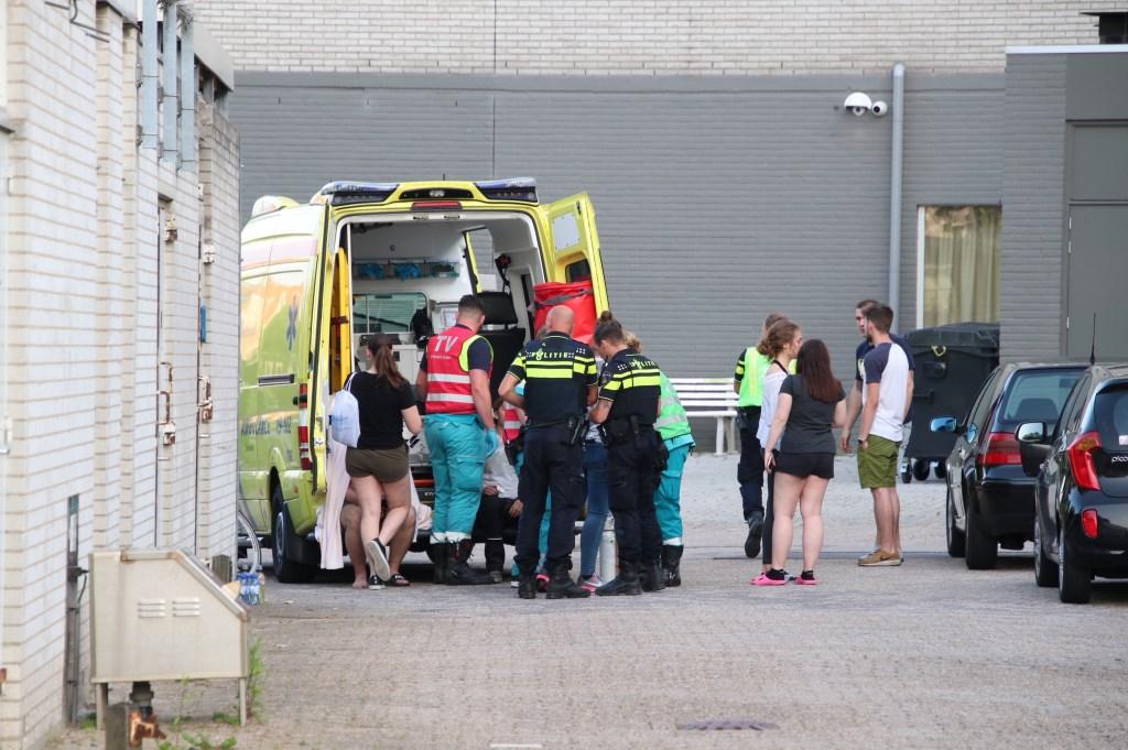 De brandweer, politie en ambulance kwamen ter plekke. Foto: Manfred Berrevoets © Internetbode