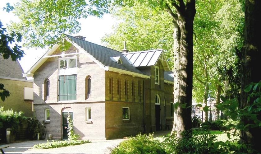 De voormalige kloosterbakkerij en Paleis voor Volksvlijt en nu poort naar de enige Hortus in Noord Brabant. FOTO FRANK VAN ANDEL