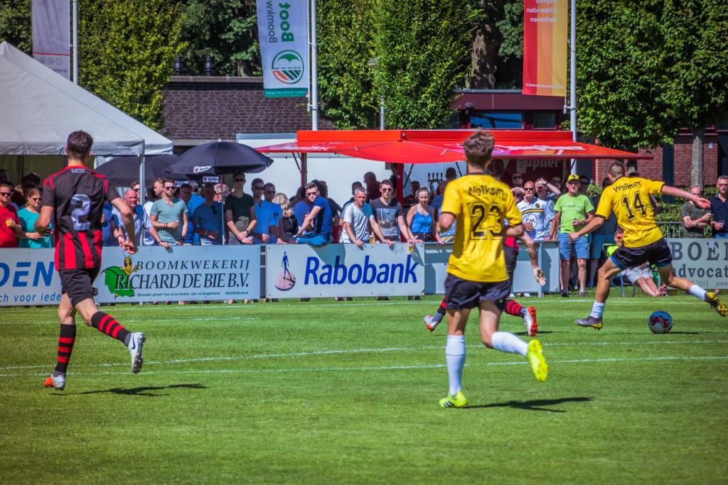 Het eerste doelpunt werd gemaakt door Sydney van Hooijdonk.  Foto: Charles van Campenhout © Internetbode