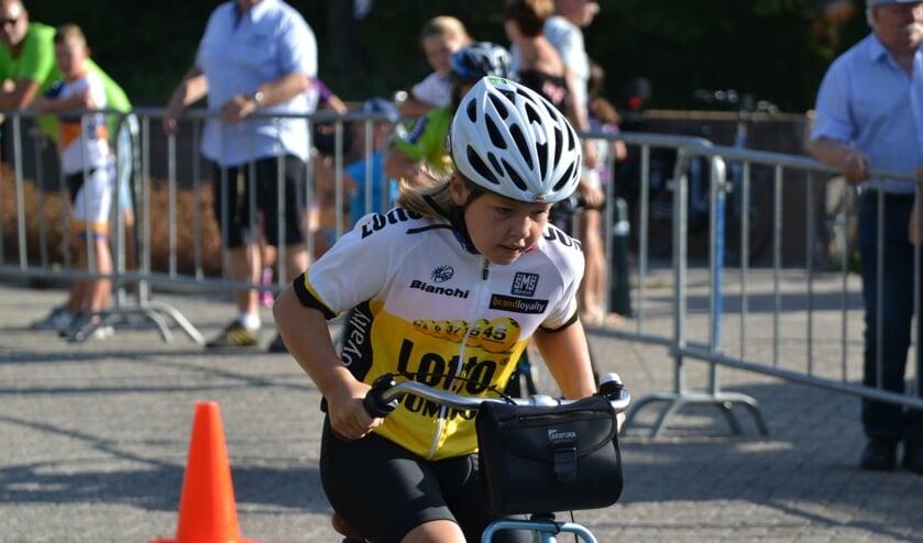 Een rennertje doet haar uiterste best tijdens de Kleine Tour. ARCHIEFFOTO REMKO VERMUNT
