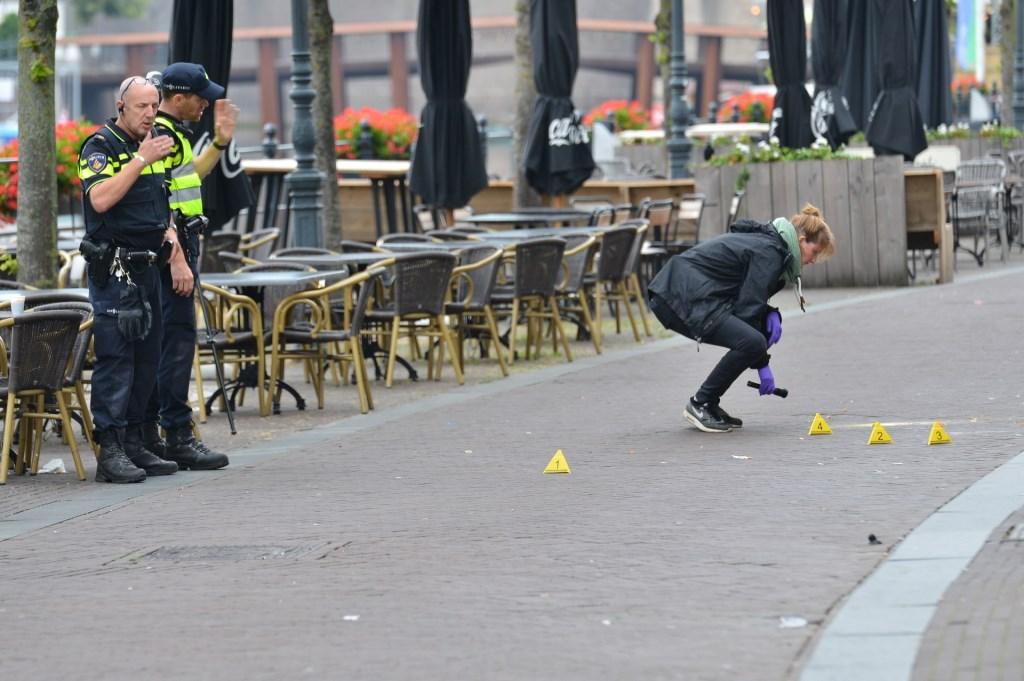 Het slachtoffer is met ernstige verwondingen overgebracht naar het ziekenhuis.  Foto: Perry Roovers © BredaVandaag