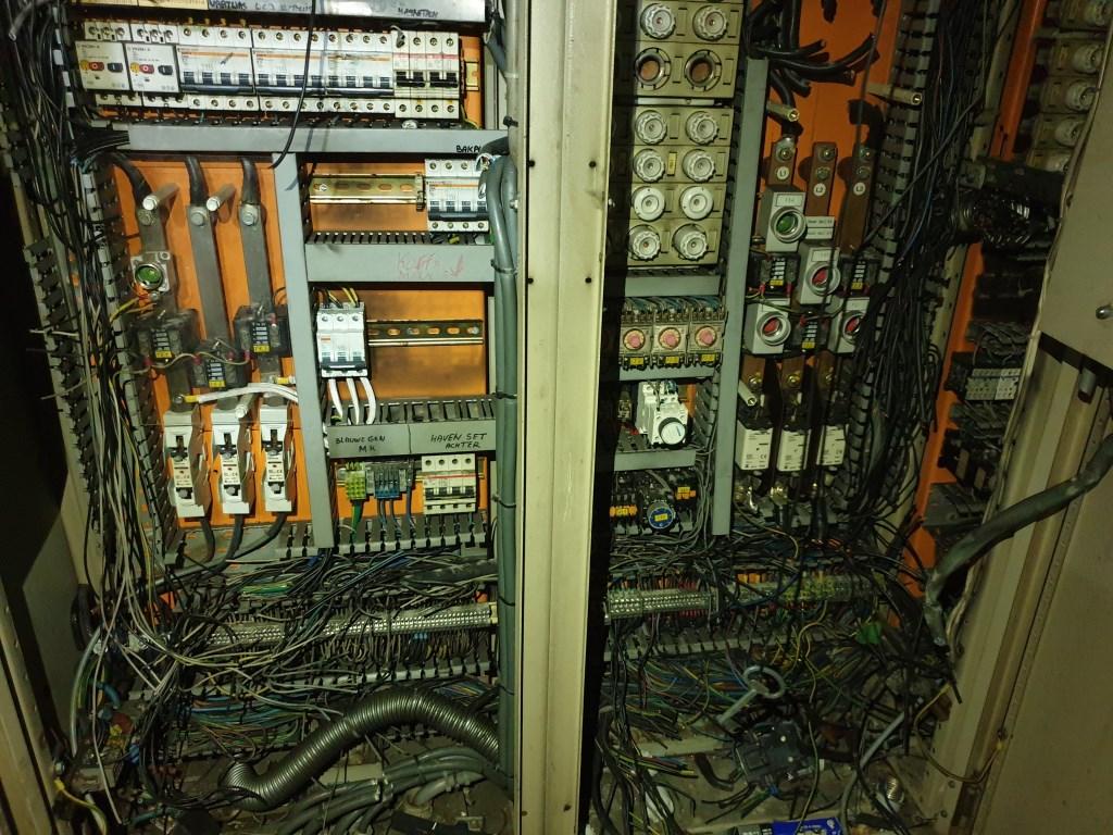 Alle kabels zijn doorgesneden Foto: Hanneke Marcelis © BredaVandaag