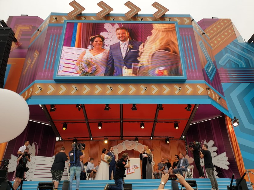 Het stel trouwde op het podium van Breda Live.
