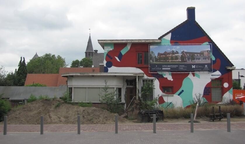 De plek in het centrum van Zundert waar straks het project Tantes van Van Gogh wordt gebouwd.