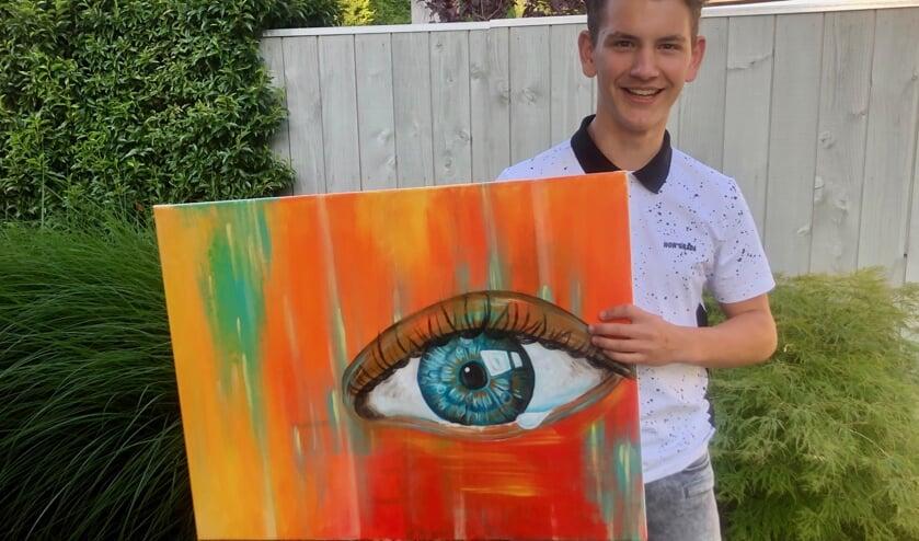 Naast tekenen, boetseert, ontwerpt en schildert de 16-jarige Wies Hoogers uiteenlopende onderwerpen. Foto: Johan Wagenmakers