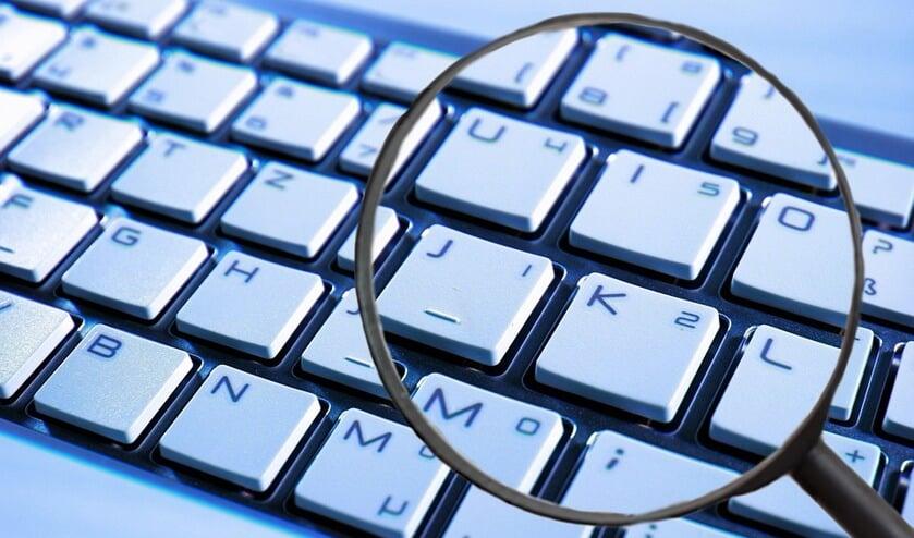394 medewerkers hebben ook daadwerkelijk ingelogd, de malware gedownload en uitgevoerd.