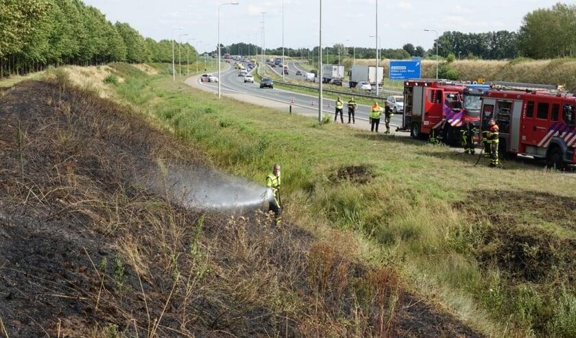 De brandweer is met twee voertuigen ter plekke.
