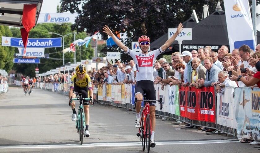 Bauke Mollema won de rit in lijn voor Antwan Tolhoek. In de rangschikking na drie onderdelen eindigde hij als derde.