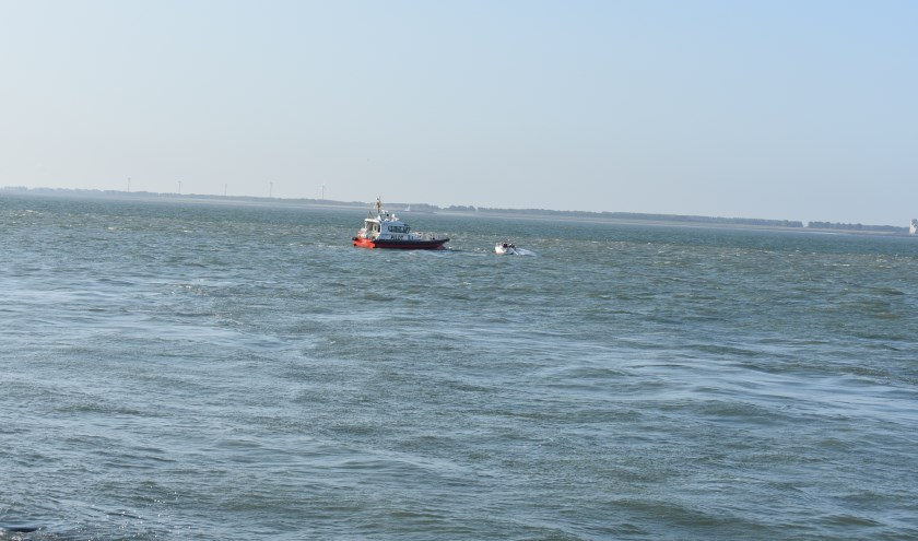 De KNRM heeft het bootje geborgen.