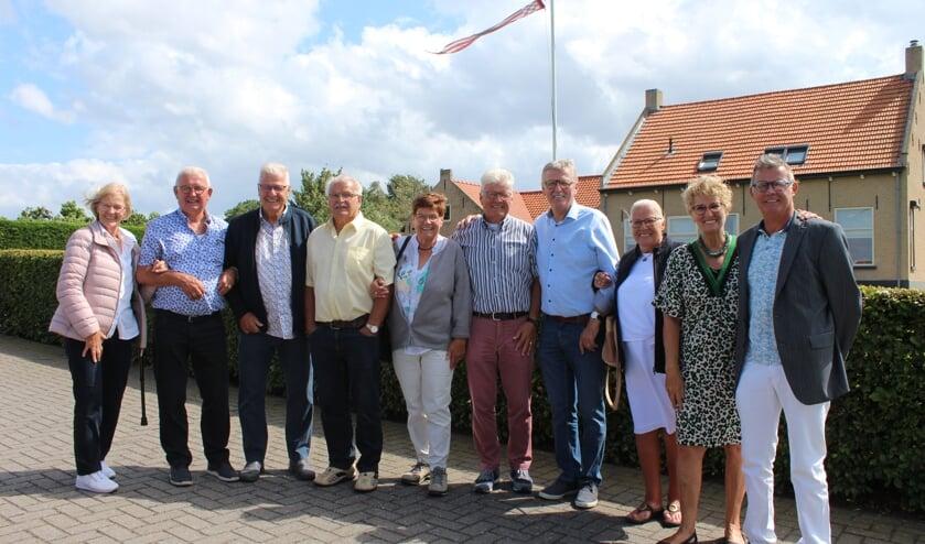 10 van de 11 kinderen uit het gezin Van Overveld uit Steenbergen vieren samen 790 jaar verjaardag.