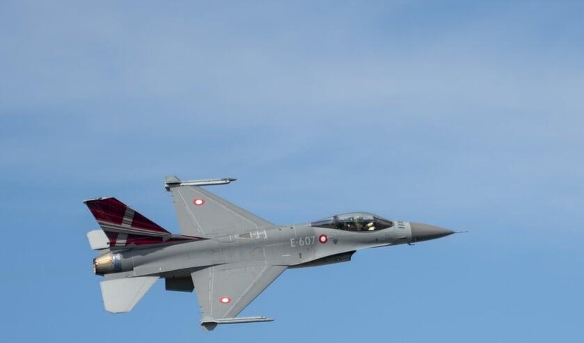 Foto van een F-16 gevechtsvliegtuig ter illustratie.