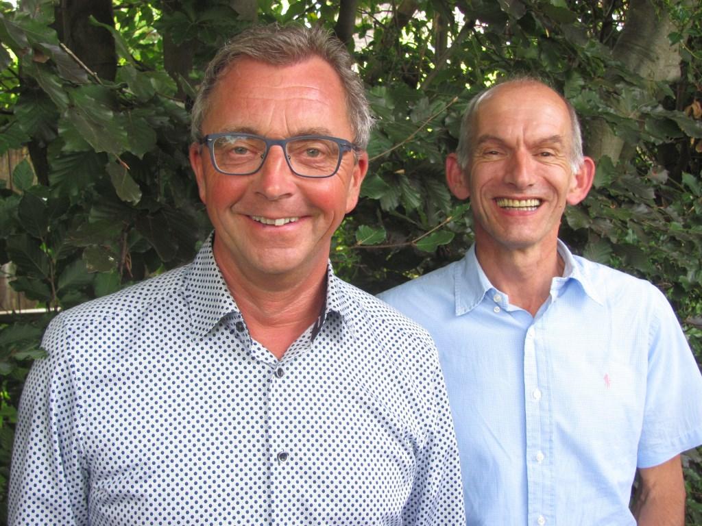 Wethouder Johan de Beer (links) en John Oostvogels van het BCT-team.  Foto: Addo Sprangers © Internetbode