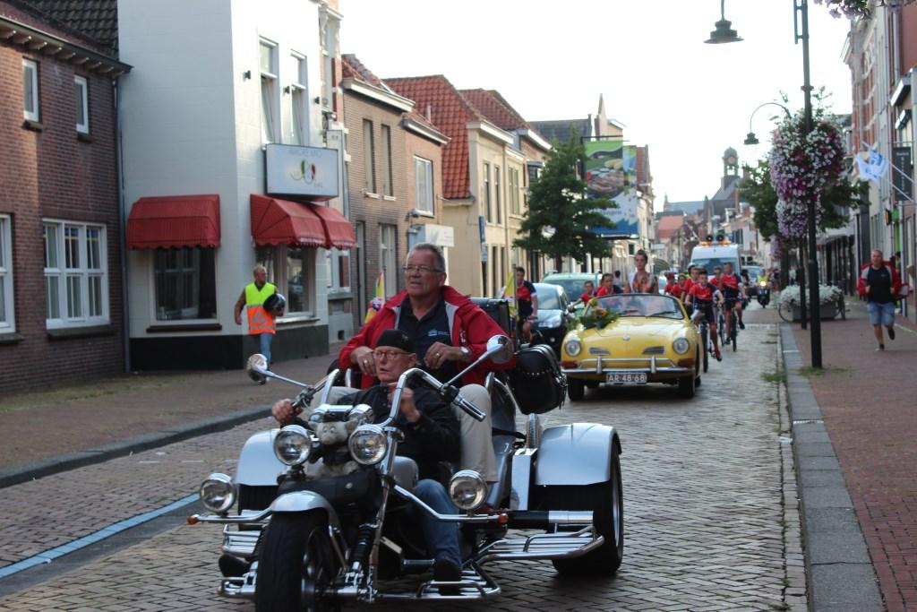 Voorzitter Wim Roovers rijdt voor de laatste keer mee tijdens deze jubileumeditie.  Foto: Claudia Koole © Internetbode