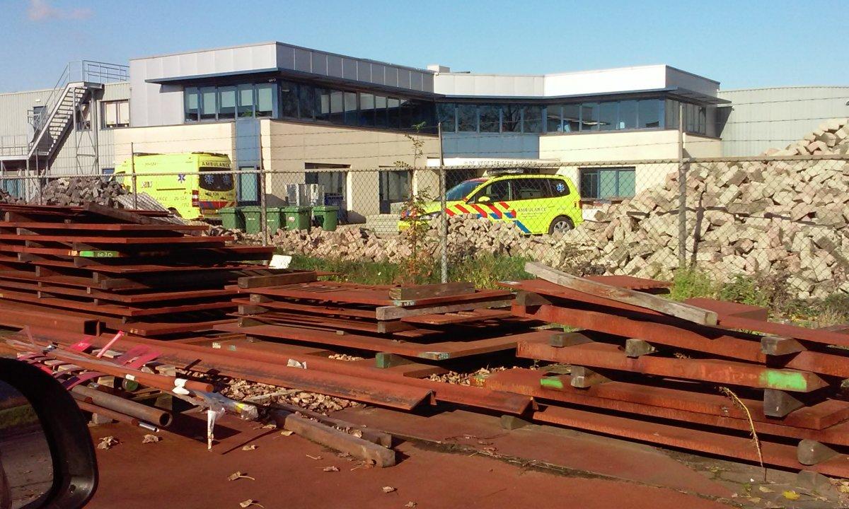 Ambulance en traumahelicopter zijn ter plaatse
