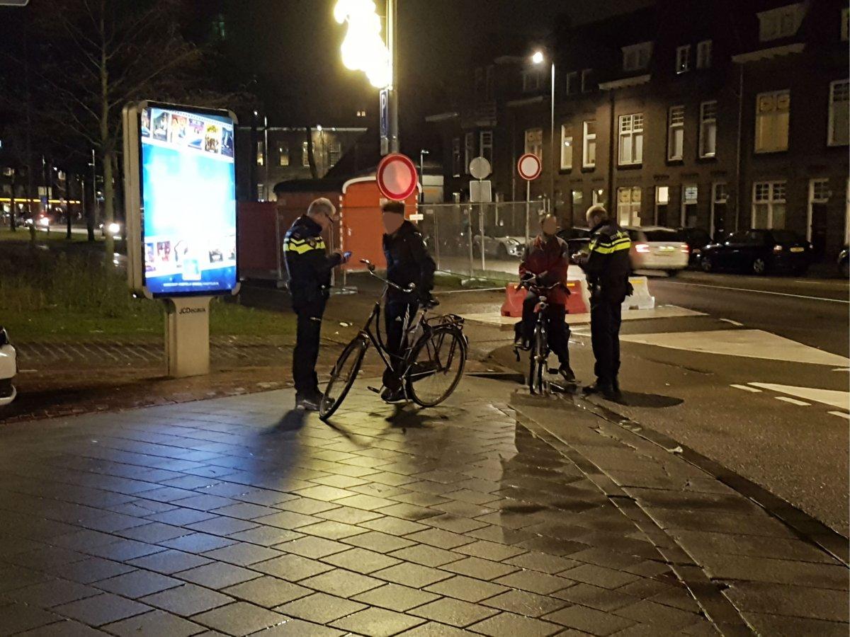 212 boetes voor fietsen zonder licht