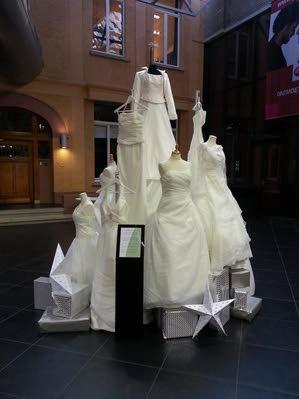Bruidsjurken Breda.Aandacht Vrijwilligersproject Looks Of Love Roosendaal Internetbode