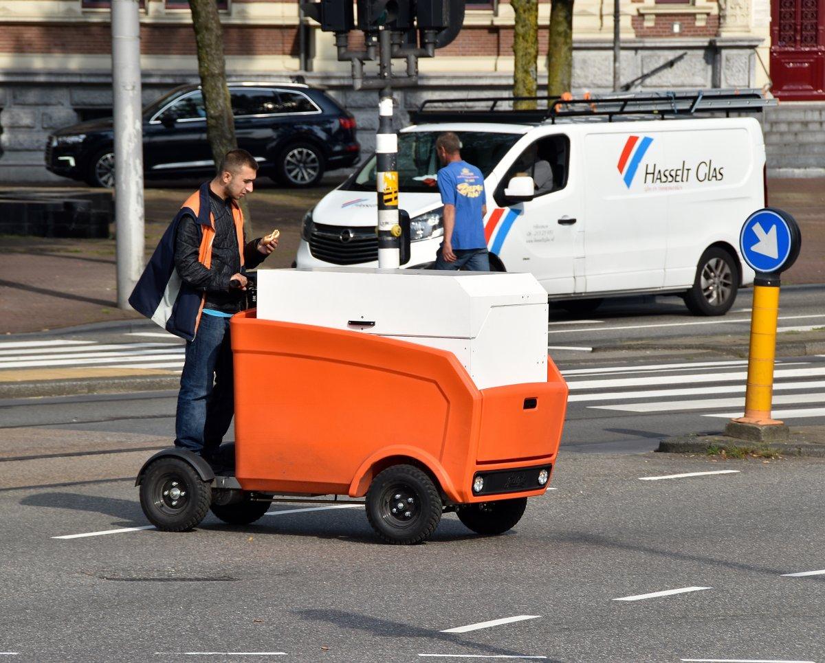 PostNL deze zomer met elektrische bakfietsen Breda in