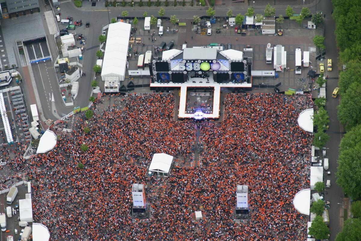 538Koningsdag 2014 uit de lucht. foto Ad Ballon