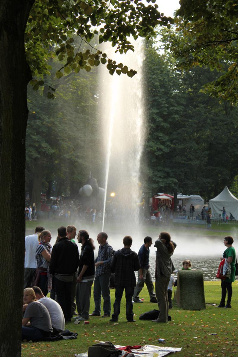 Ook zondag genoten naar schatting vijftienduizend mensen van Breda Barst in het Valkenberg. foto Raymond Tillieu