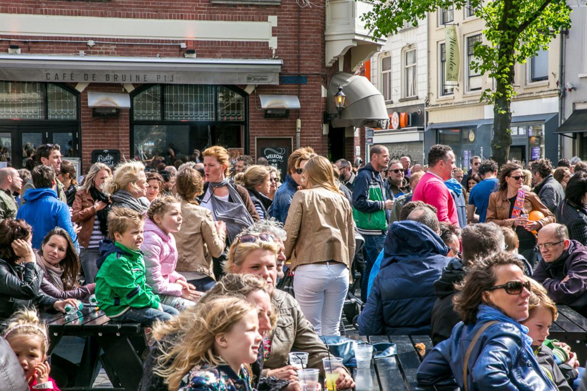 Het Bevrijdingsfestival op het Kerkplein in Breda.