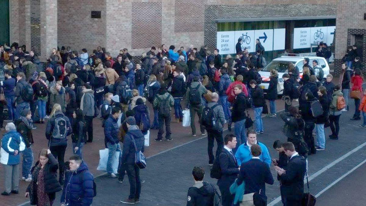 Breda Centraal is vrijdag 16 januari korte tijd ontruimd geweest vanwege een bommelding.