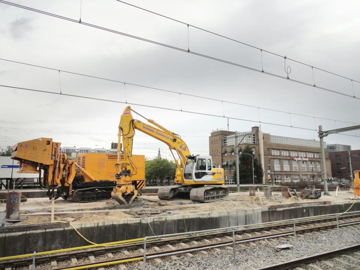 Het gaat nu hard rond Breda CS. Stand van zaken tweede helft september 2013. foto  Henk Voermans