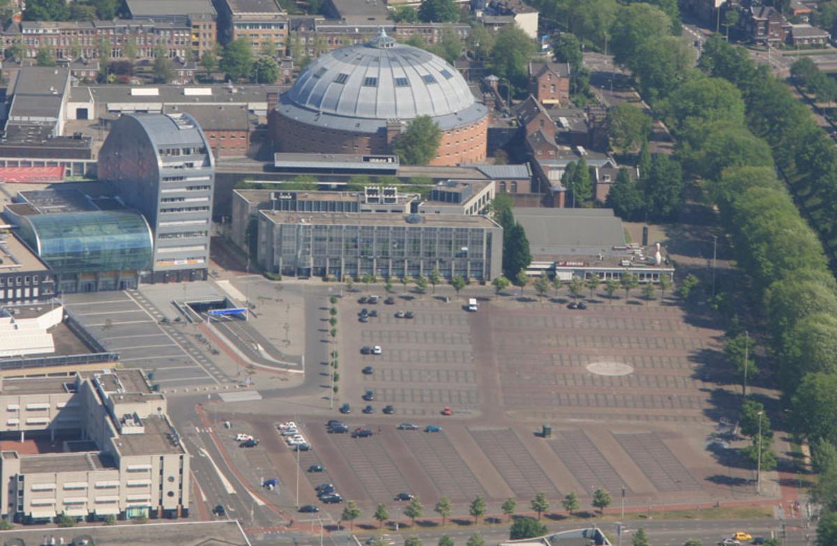 http://www.bredavandaag.nl/nieuws/cultuur/2010-12-03/chasse-theater-zit-een-moeilijke-hoekfoto Erik Eggens