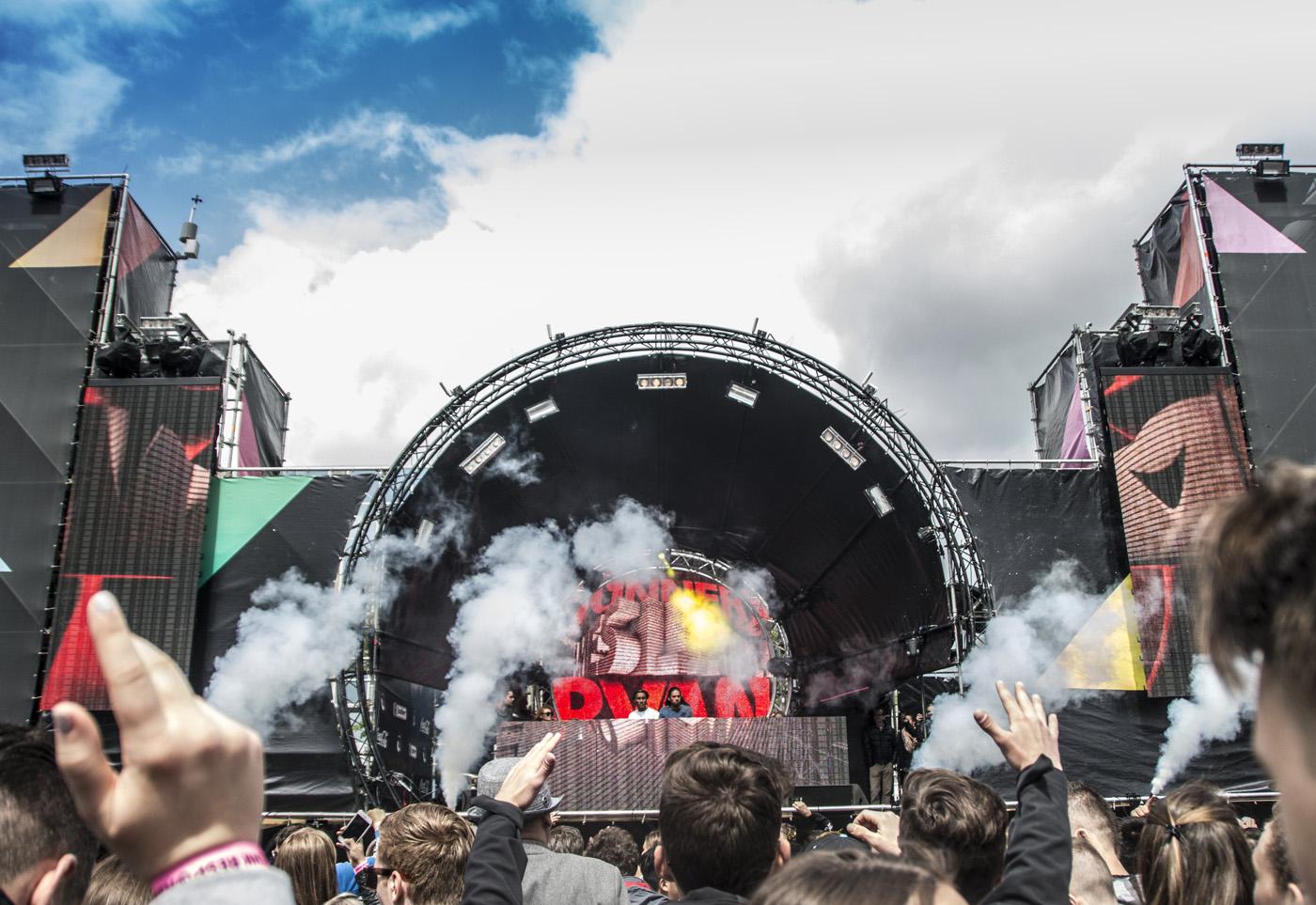 Dancetour Breda 2016, met onder meer optredens van Dannic, Kill The Buzz en Sunnery James & Ryan Marciano, Dirtcaps Release the Bull, Blasterjaxx en Ummet Ozcan.