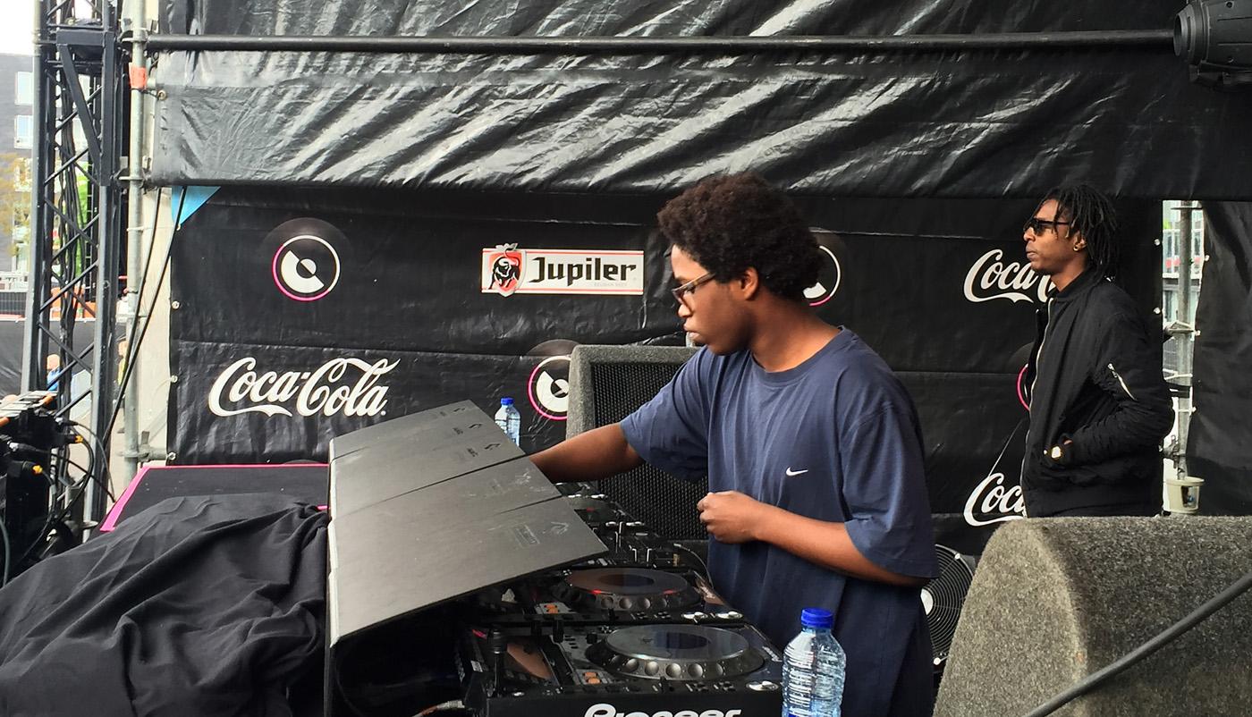 Winnaar van de DJ Clash Joshua J uit Breda opent Dancetour Breda 2016.