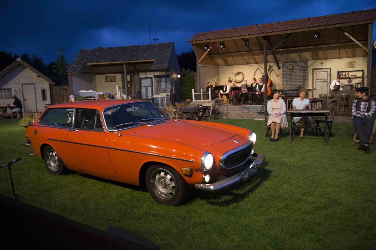 Baroniespektakel De Zwarte Ruiter. Theater op het veld van Baronie. foto Odyllia Dolne