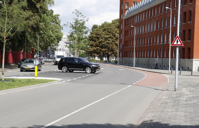 Autoverkeer kan weer richting de Valkenstraat.