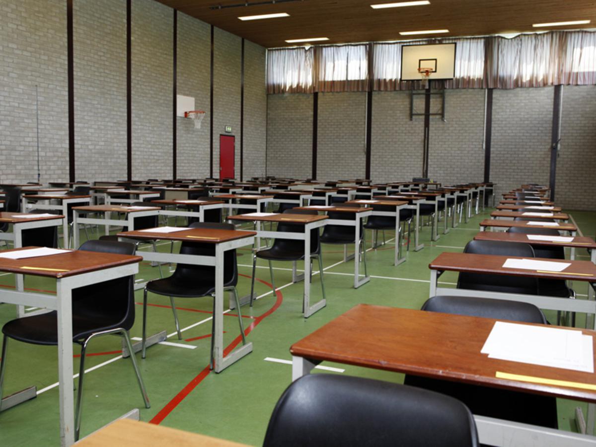 De laatste dag van de eindexamens voor de leerlingen van de Nassau foto Ilse Lukken
