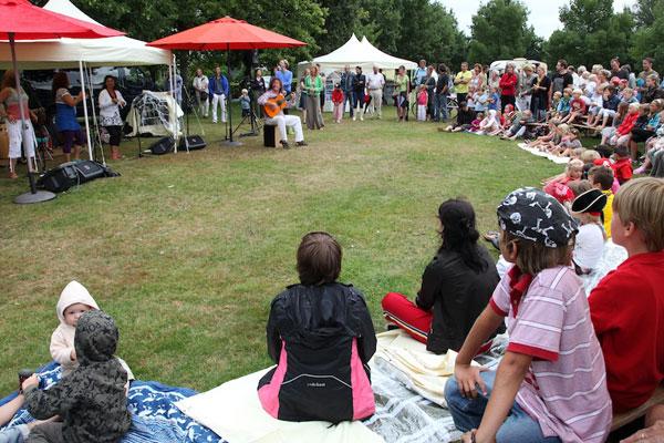 En plein public in Brabantpark, vrijdag 21 augustus 2009.