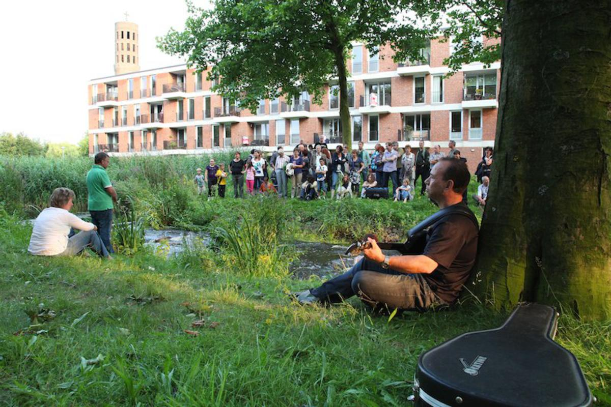 Het theaterfestival En Plein Public Brabantpark, 15 juli 2011 foto Peter Visser