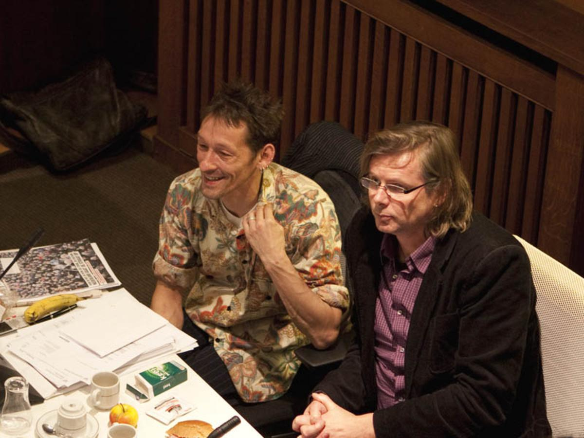 Maurice Spapens en Patrick van Lunteren tijdens een gemeenteraadsvergadering.