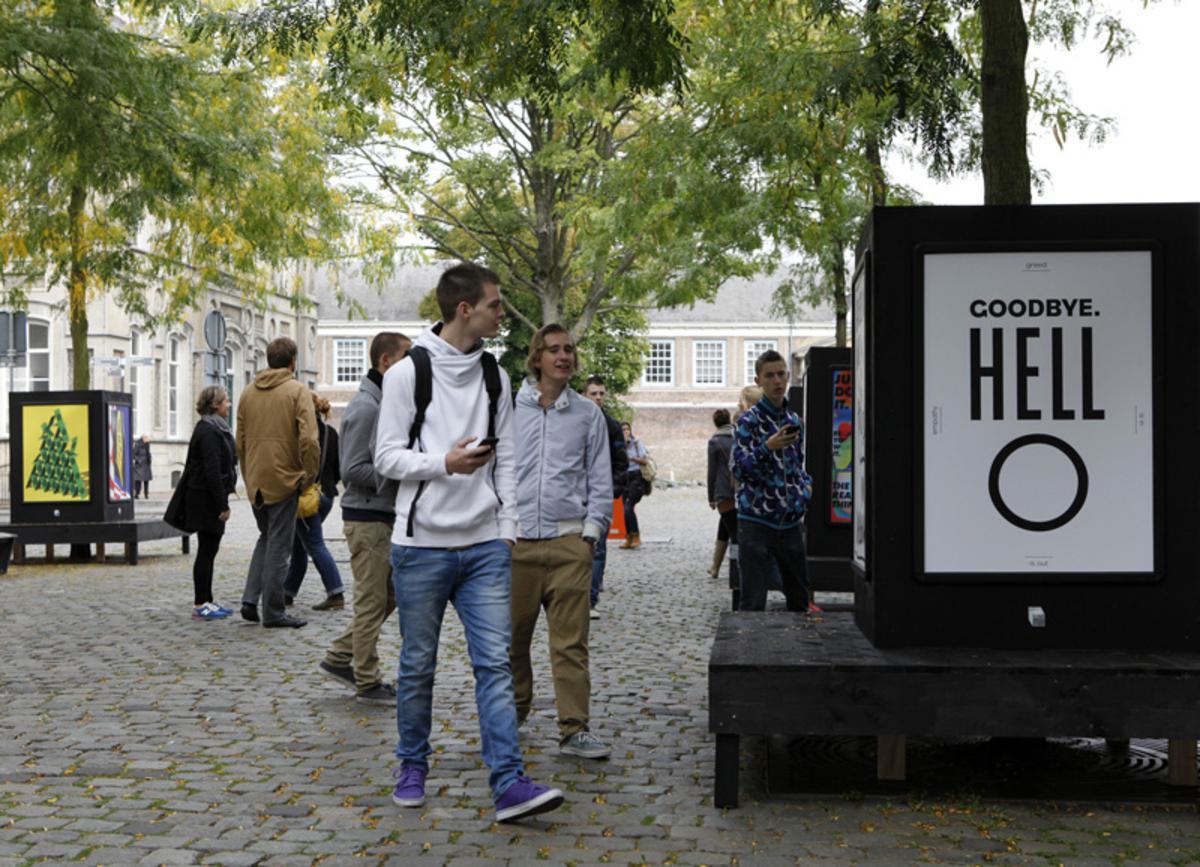 Een rondje binnenstad tijdens het Graphic Design Festival 2012 foto Ilse Lukken