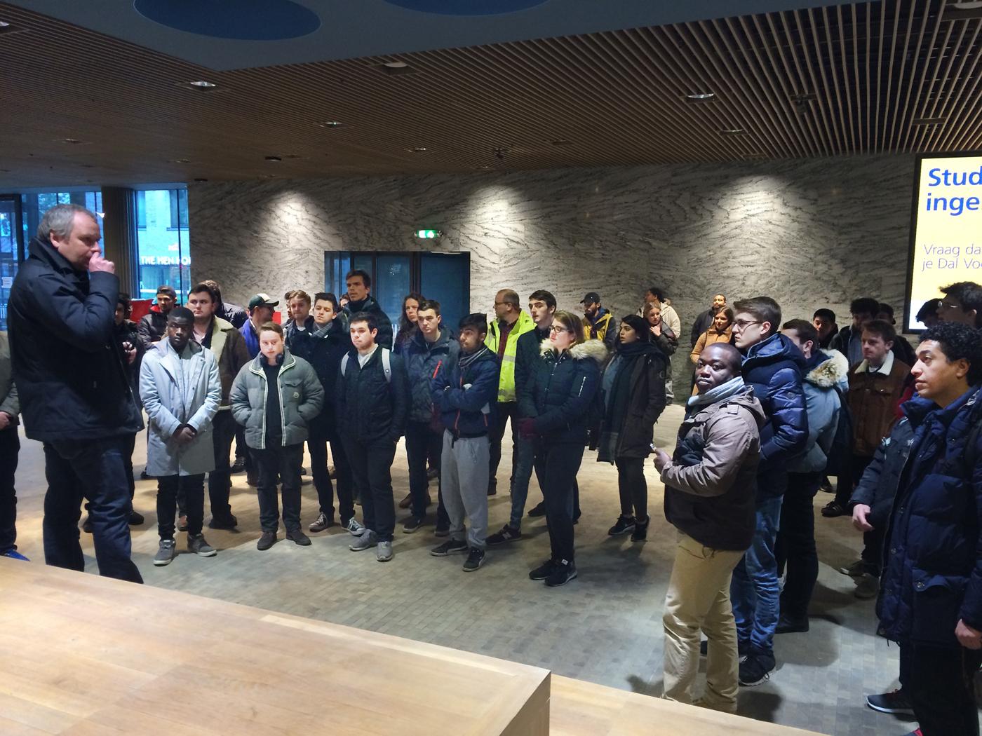 Een groep Engelse architectuurstudenten bezocht donderdag 26 januari station Breda.