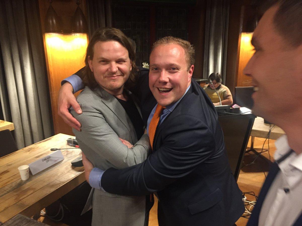 PvdA, VVD en D66 praten verder over coalitie