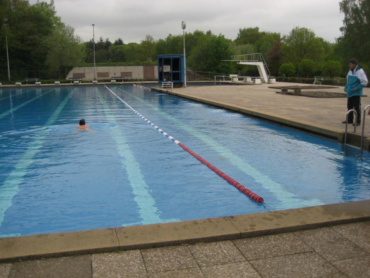 Zwembad Wolfslaar later open dan gepland