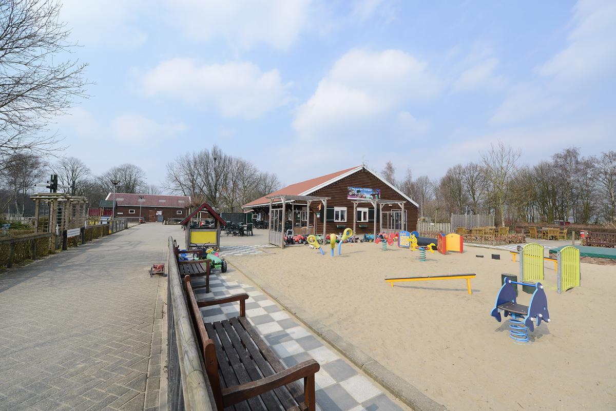 De kinderboerderij in Hoge Vucht. foto Hinke Rutten