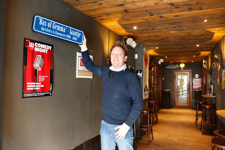 Maurice Willemse, sinds 1 april eigenaar van café Publieke Werken in de St. Annastraat.