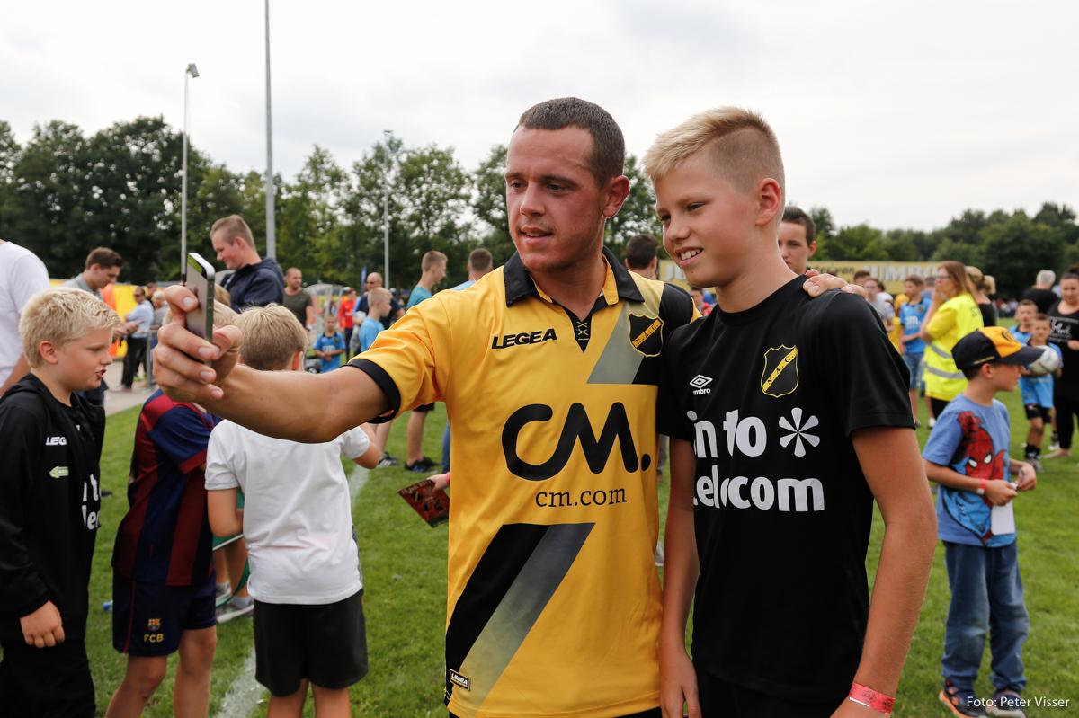 NAC oefende zaterdag 15 juli tegen Volendam in Oud Gastel. Het werd 2-1.