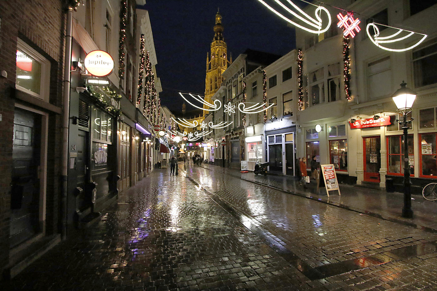 Breda in de nacht, januari 2016.