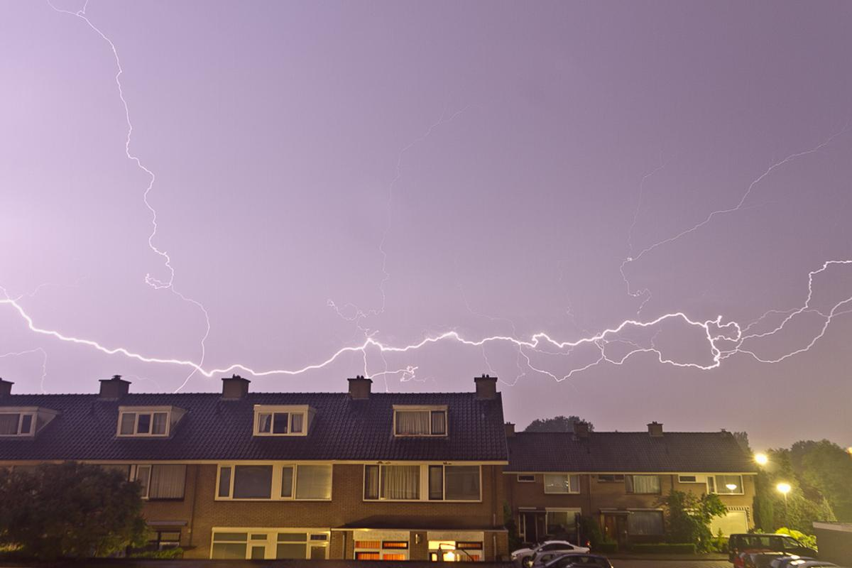 Onweer boven Breda. foto Jorgen Janssens