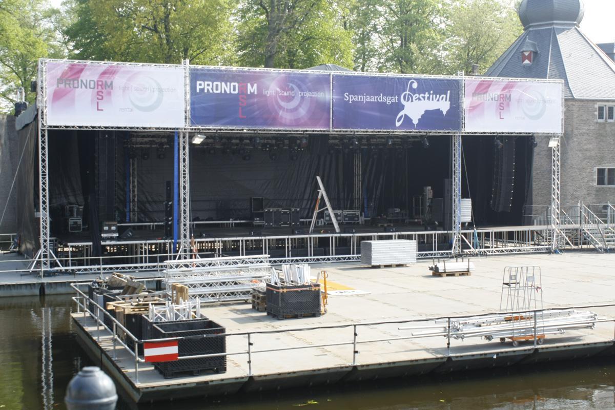 Laatste dag van de voorbereidingen voor het Breda Jazzfestival 2013. Foto Anne Kooman
