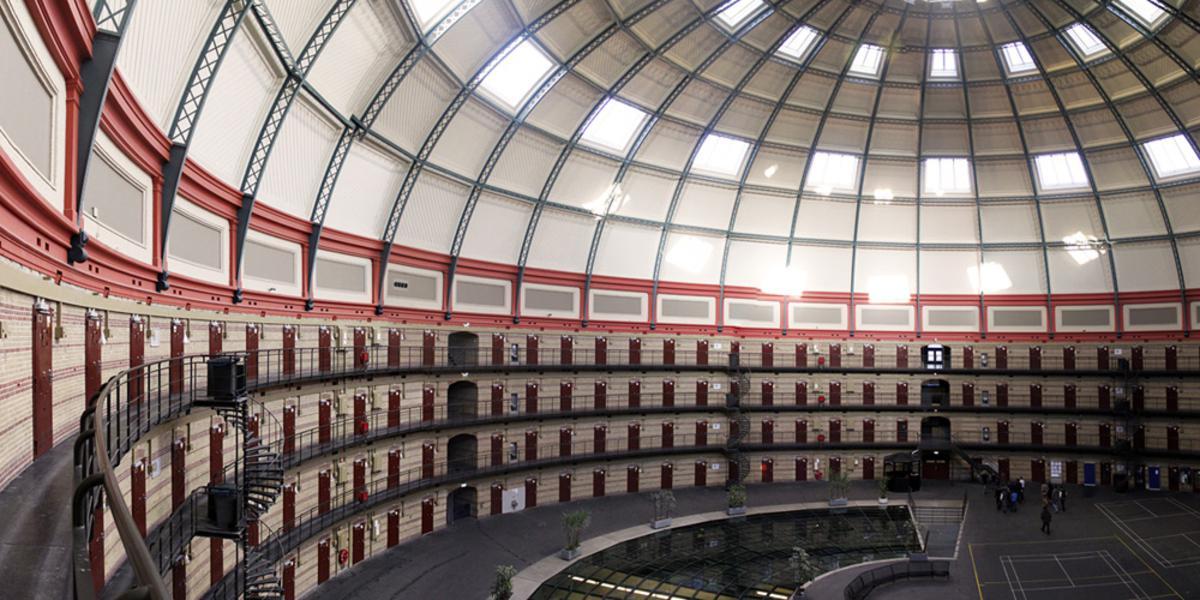 Binnenkijken bij De Koepel nu het gebouw nog in gebruik is als gevangenis. foto Raymond Tillieu