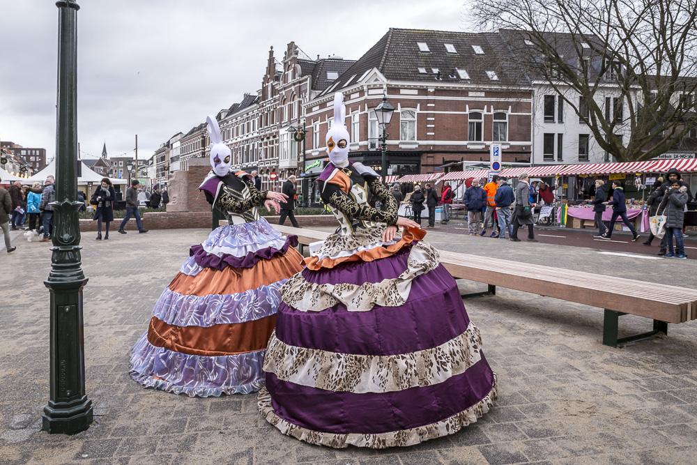 De Haagpoortbrug over de singel tussen de Haagweg en de Nieuwe Haagdijk is zaterdag officieel geopend.