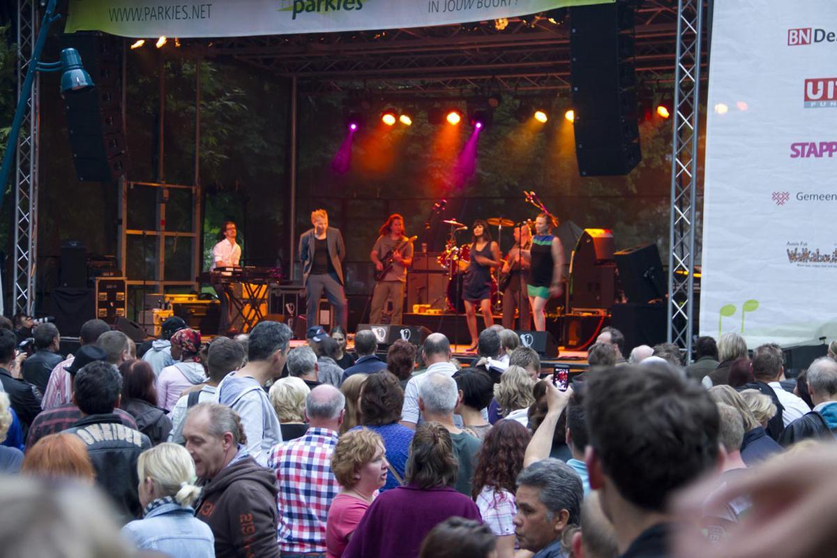 Nederlandstalige reggae van Maanzaad tijdens Palm Parkies op 17 juli 2012. foto Patricia Rompa