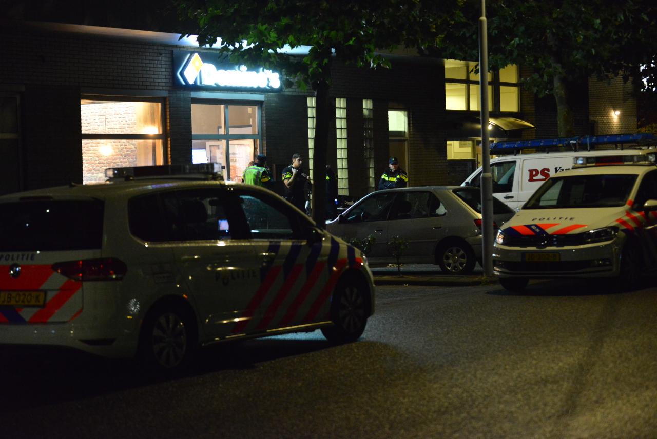 Gewapende overval op Domino's Pizza aan de Roeselarestraat, vrijdag 14 oktober 2016.